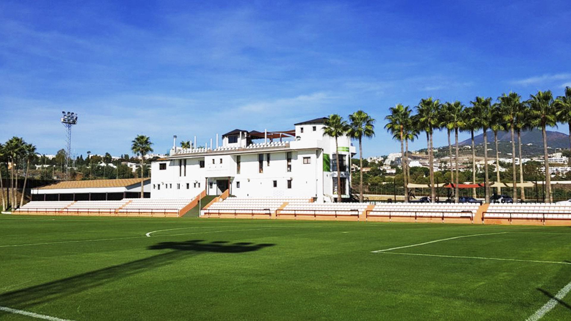 Durante seis días, doce selecciones internacionales de fútbol visitan San Pedro Alcántara