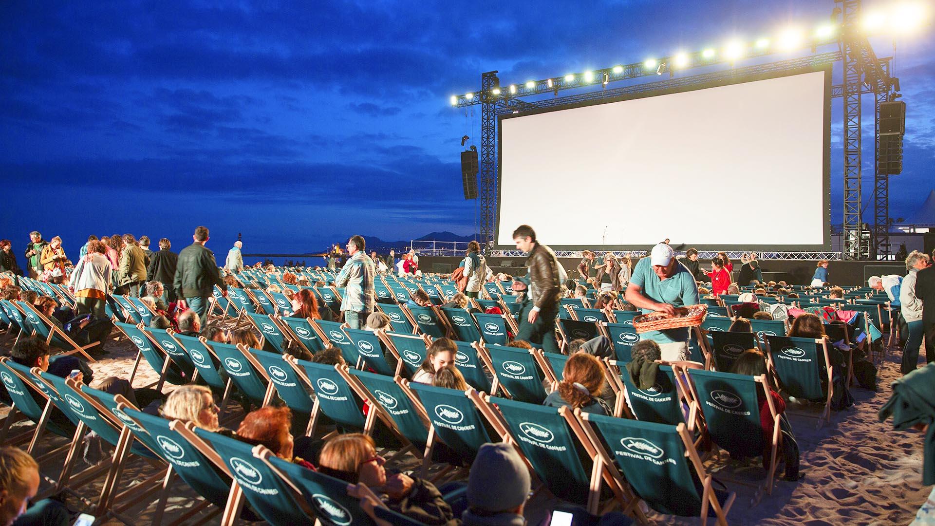 """Unidas Podemos reivindica el regreso a las playas de """"Cine bajo las estrellas"""""""