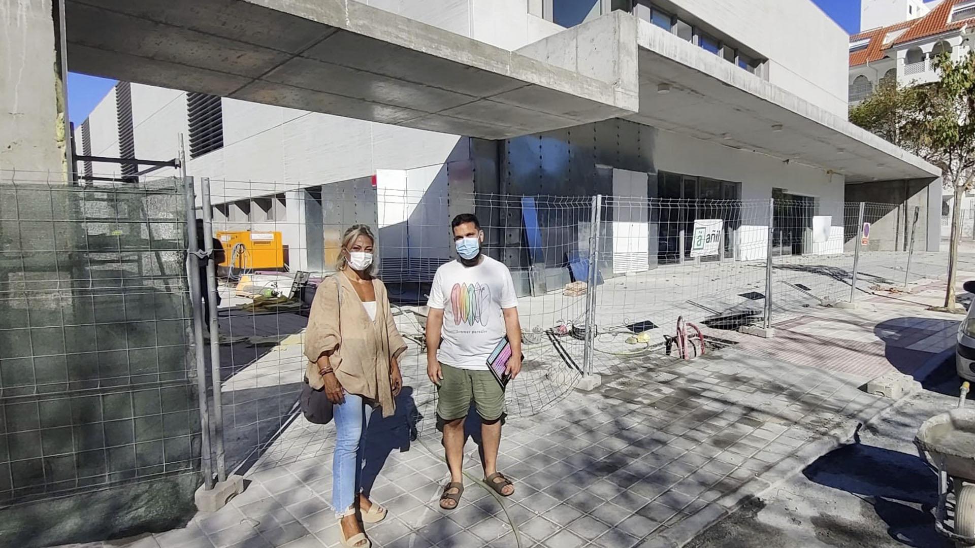 Unidas Podemos exige terminar con las obras del centro de Centro de Salud de San Pedro Alcántara